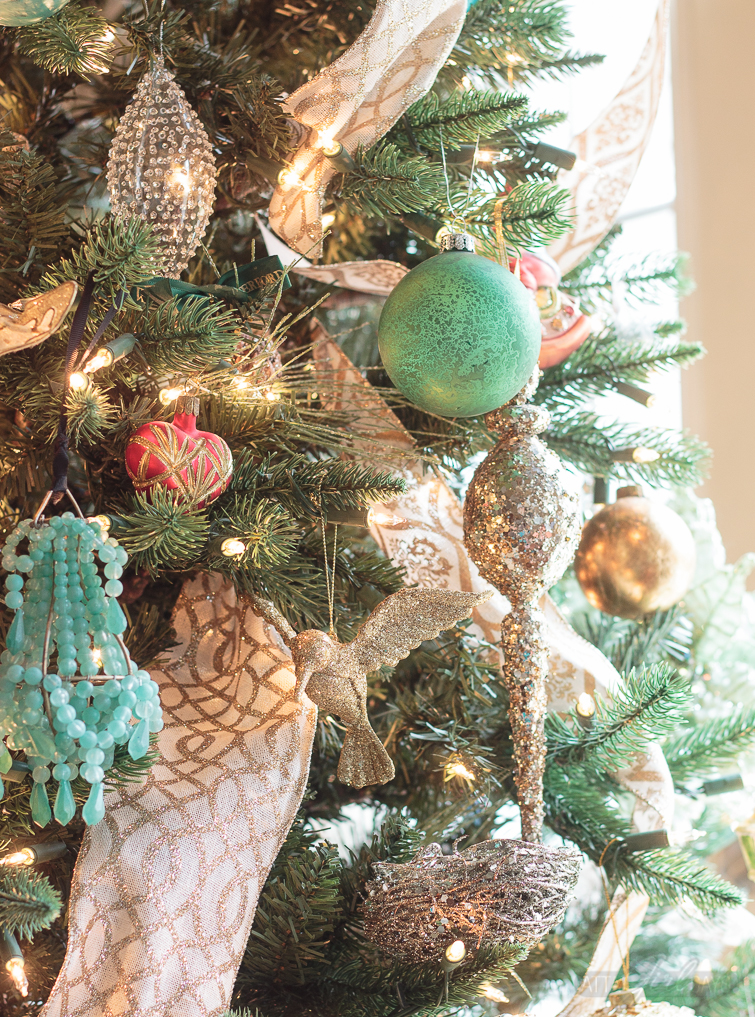 What A Gorgeous Christmas Home Tour, Full Of Colorful And Vintage  Decorations With A Touch