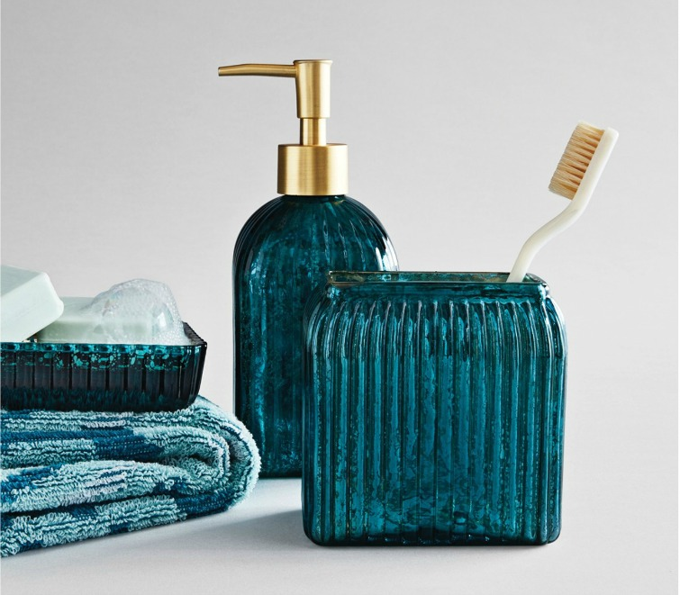 If you love vintage decor, hurry to Target to check out the new Opalhouse collection. This teal glass bathroom set is just one of the fabulous vintage-style pieces you'll find at great prices! #opalhouse #targetstyle #vintagestyle #teal