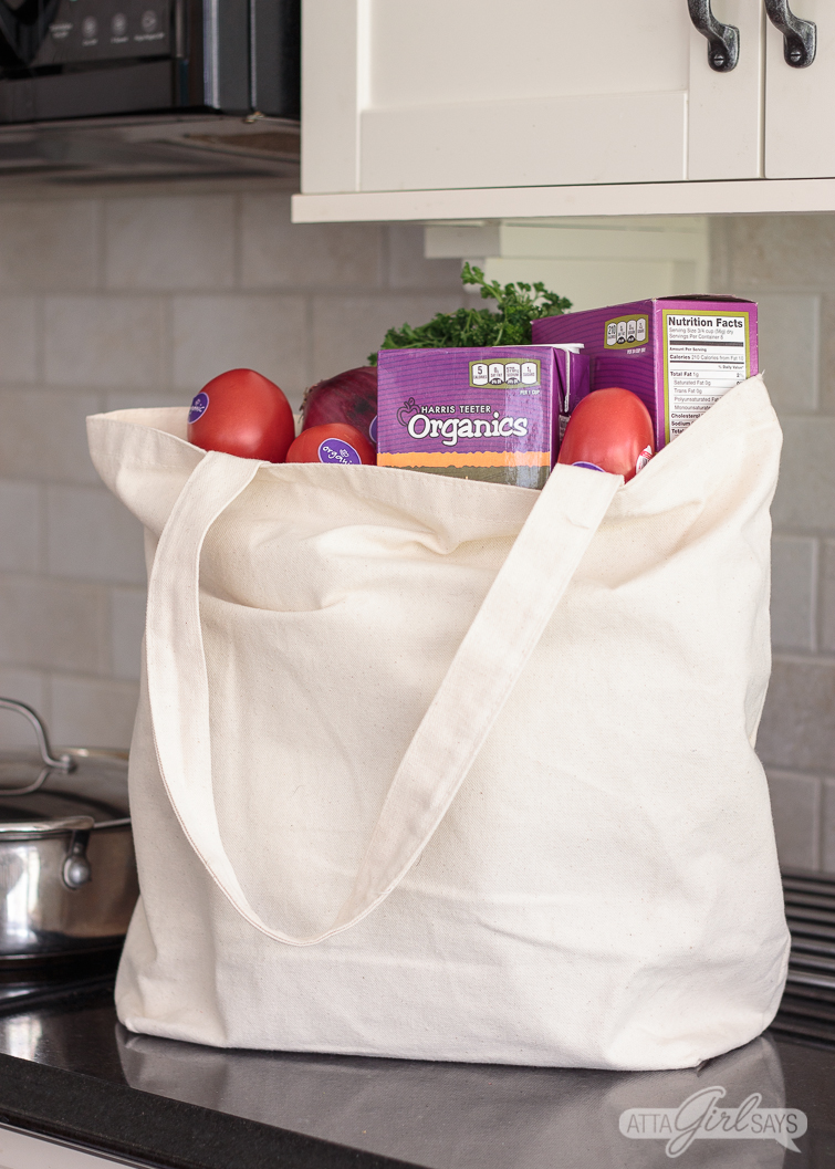 Contrary to what you might believe, organic produce and groceries aren't budget busters. Many Harris Teeter Organics products are priced below conventional, non-organic brands. #ad #HTOrangics #TeeterRecipes