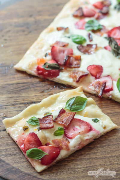 Strawberry Bacon Mozzarella Flatbread Pizza Recipe