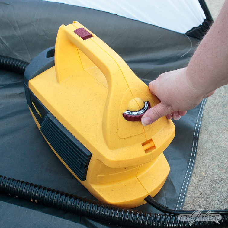 adjusting the air pressure on a Wagner paint sprayer