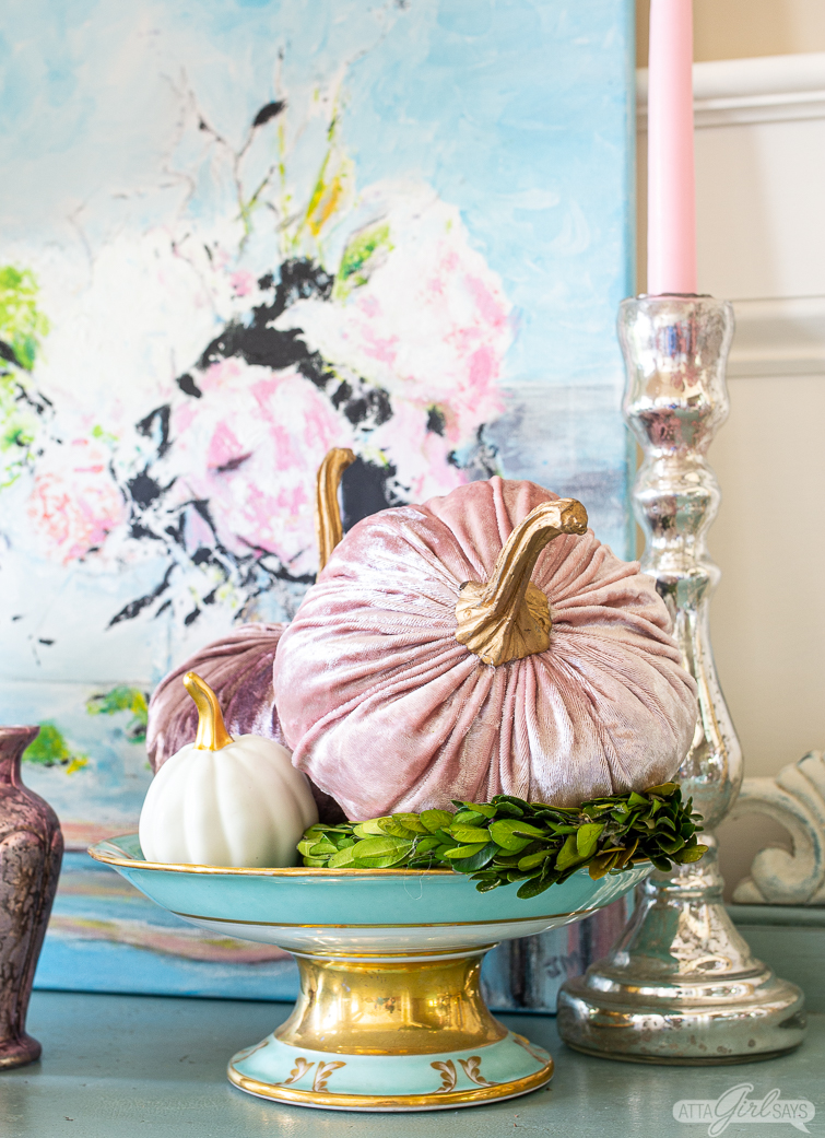 Foyer Decorating Ideas for Fall Featuring Pastel Colors ...
